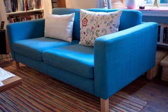 Синий диван