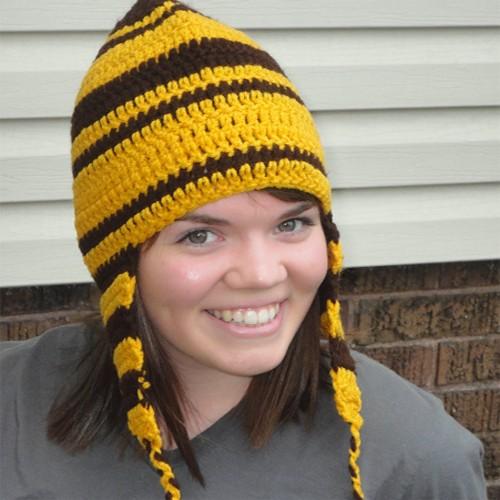 шапка с ушами на фото