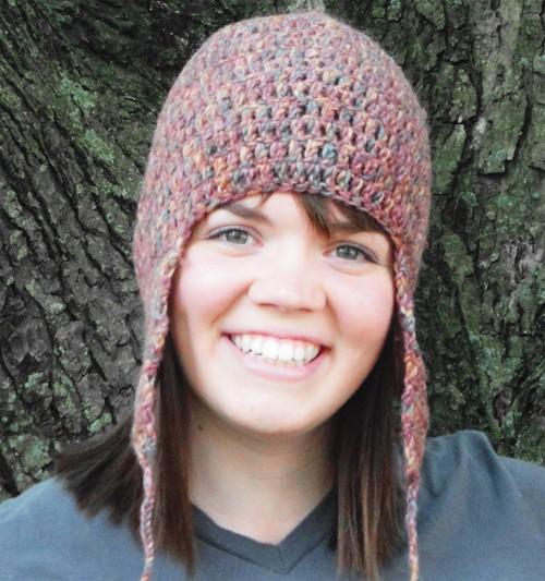 женская шапка с ушками на фото